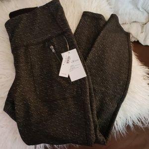 Old navy black heathered leggings size medium